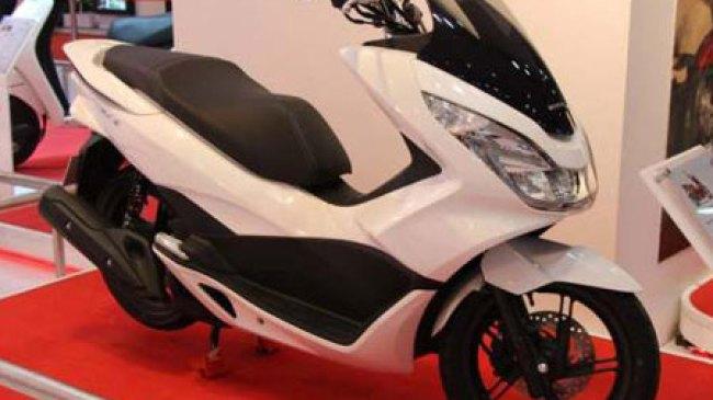 Honda PCX125 Tampil Narsis di Auto Expo