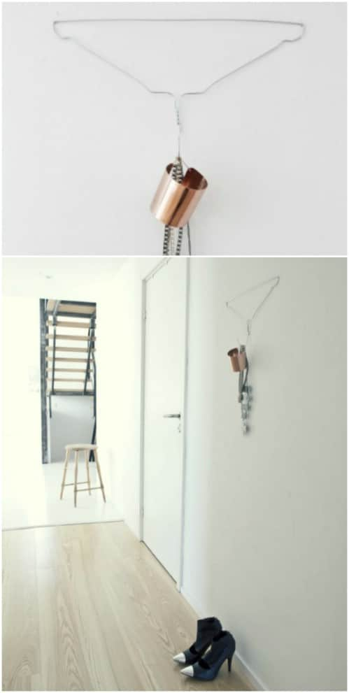 Upcycled Wire Hanger Entryway Holder