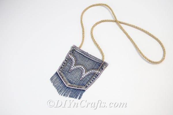 How to Make a Fashionable Denim Bag