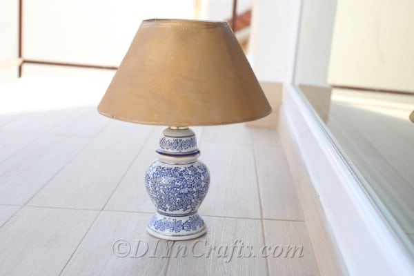 DIY Solar Garden Lamp Out of an Old Table Lamp