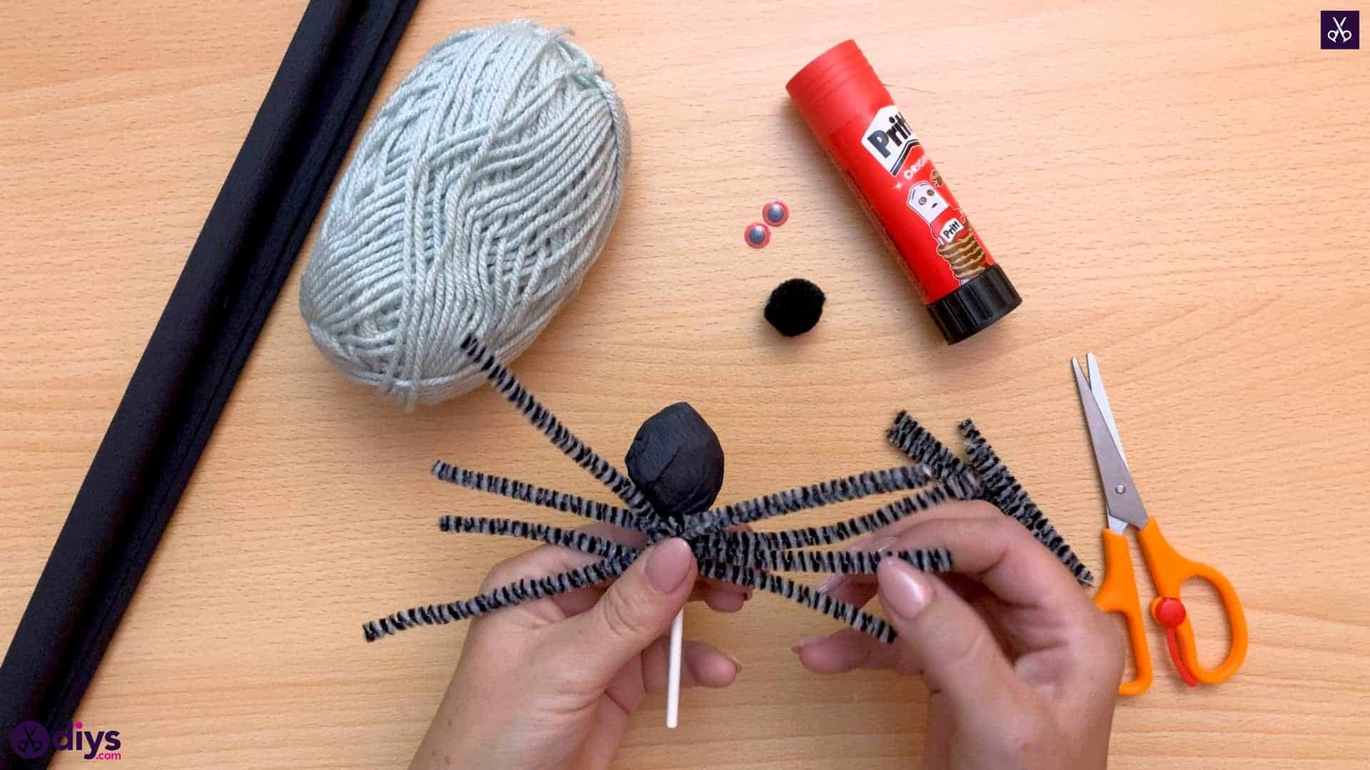 How To Make Lollipop Spiders For Halloween