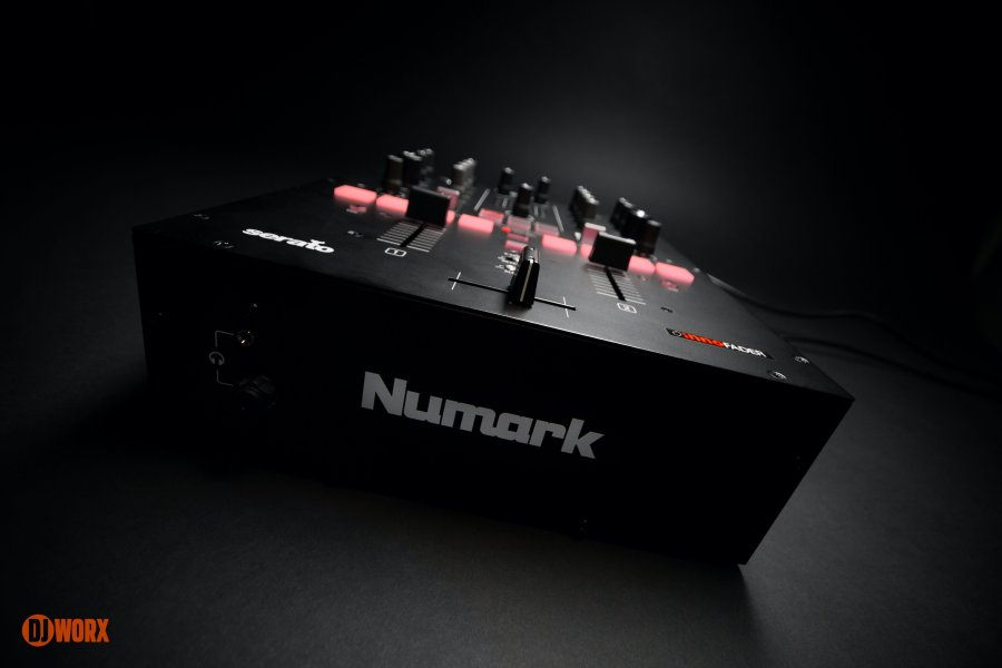 Numark Scratch Serato DJ Pro Mixer innofader review (1)