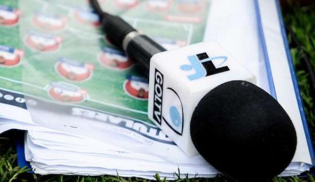 AUF decide adjudicar partidos de la selección a Tenfield y Antel