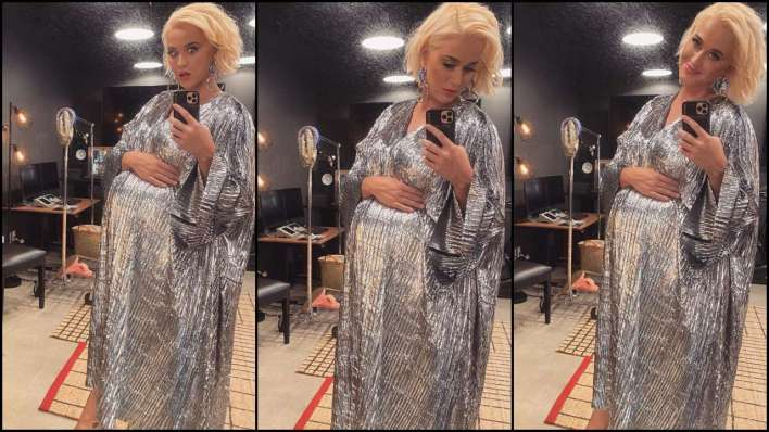 Mom-to-be Katy Perry flaunts her baby bump in latest mirror selfies