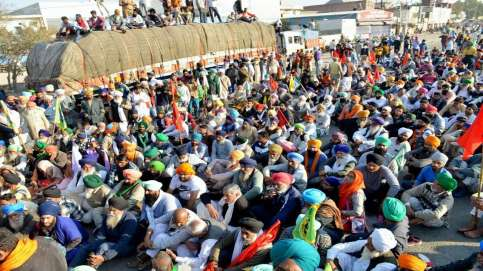 Farmers' march: 'Here for long haul' say farmers as they continue protest  at Singhu, Tikri border points