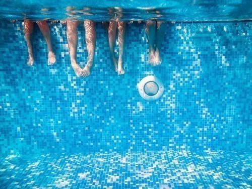 Il 19% degli adulti ha ammesso di urinare in una piscina almeno una volta