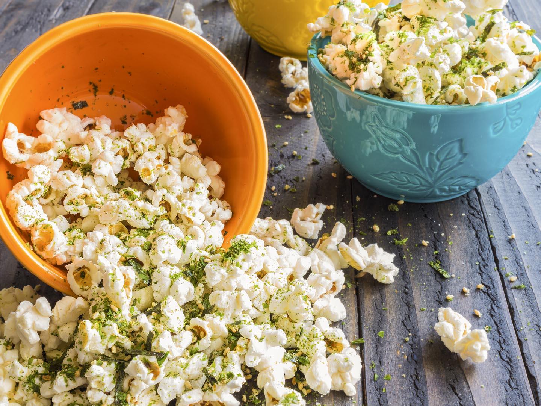 https www drweil com diet nutrition nutrition microwave popcorn threat