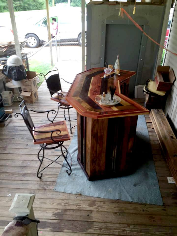DIY Pallet Wood Bar With Chairs Easy Pallet Ideas