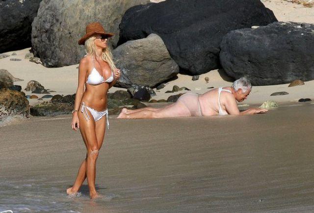 19 - 24 Beautiful Bikini Beach Shot FAILS!
