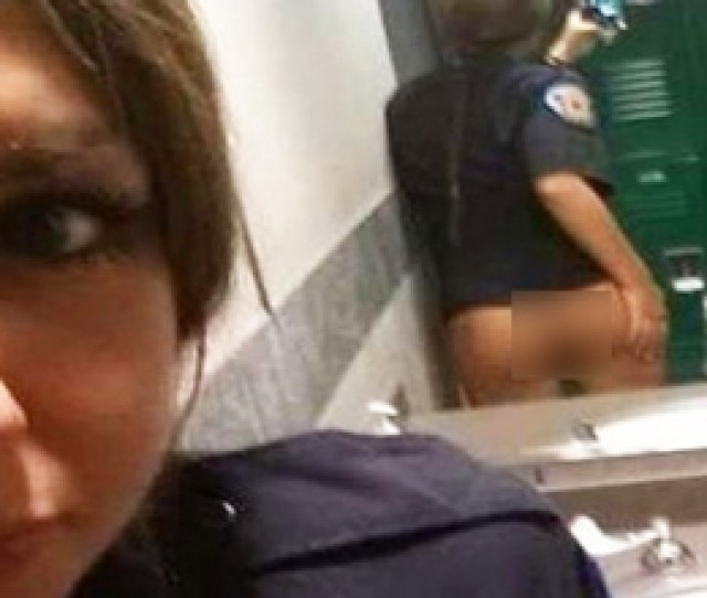 15 People Who Should Learn How Mirrors Work