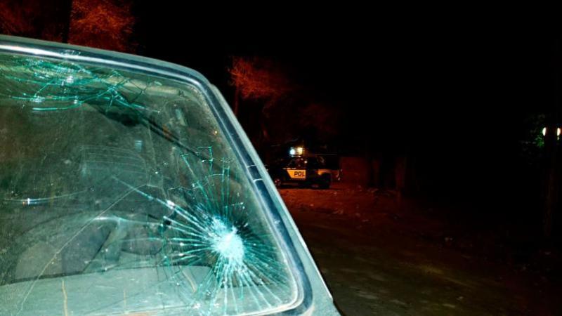 Los daños en uno de los patrulleros | Foto: Leonardo Guevara