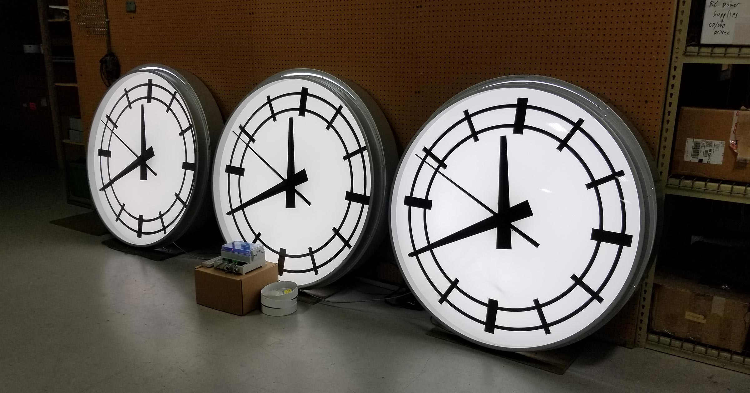 Round Surface 48 Backlighted Tower Clocks