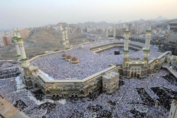 إسلاميات فضل الإكثار من الصلاة على النبي صلى الله عليه
