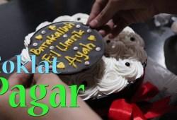 Cara Memasak Cara Membuat atau Menghias Kue Ulang Tahun Menggunakan Coklat Pagar