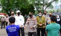 Korlantas Peringati Puncak Hari Lalu Lintas Ke-65 Bersama Pengayuh Becak