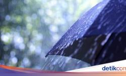 Waspada Potensi Hujan Disertai Petir di Jaksel dan Jaktim Sore Ini