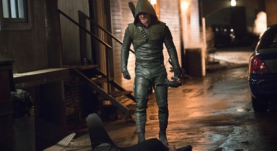 Arrow-The-Offer-Season-3-Episode-16-18-550x367