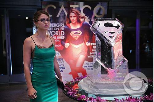 Kara Zor-El, Supergirl Magazine Cover - Supergirl