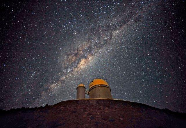 El Centro Galáctico sobre el telescopio ESO de 3,6 metros