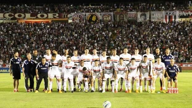Botafogo-SP Time Posado Sao Caetano Serie D 11/10/2015