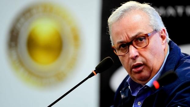 Roberto de Andrade confirmou a saída de três jogadores na entrevista coletiva