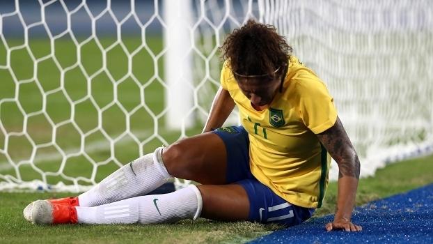 9f61ece2159bf Cristiane sentiu lesão durante jogo do Brasil contra a Suécia