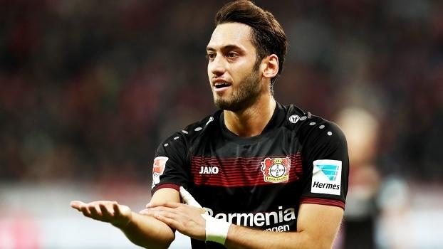 Resultado de imagem para Jogador do Leverkusen é suspenso por 4 meses pela Fifa e só volta na próxima temporada