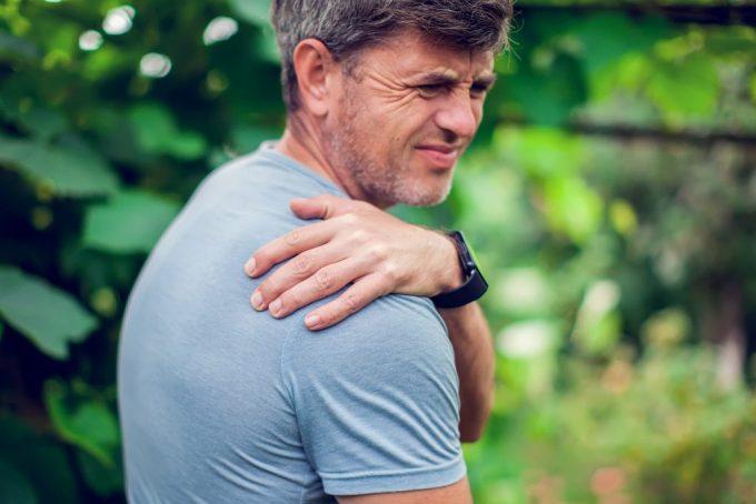 back pain aching shoulder
