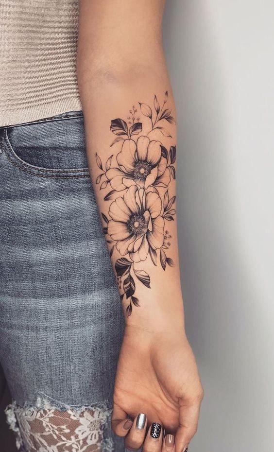 Tatuagem feminina no braço: 36 opções para você se inspirar! - Eu Total