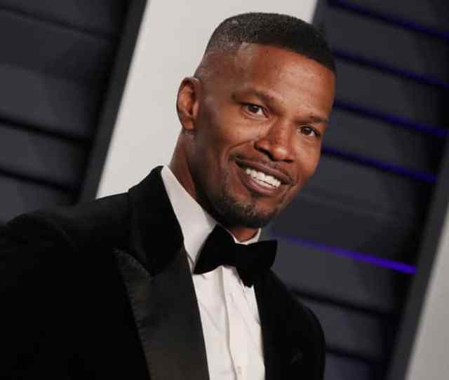 Jamie Foxx Says Hes Single As He Attends Oscars Bash With Co Star Jessica Szohr