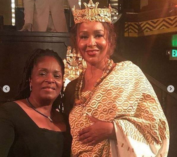 L'actrice américaine Lisa Raye couronnée ''reine mère'' au Ghana