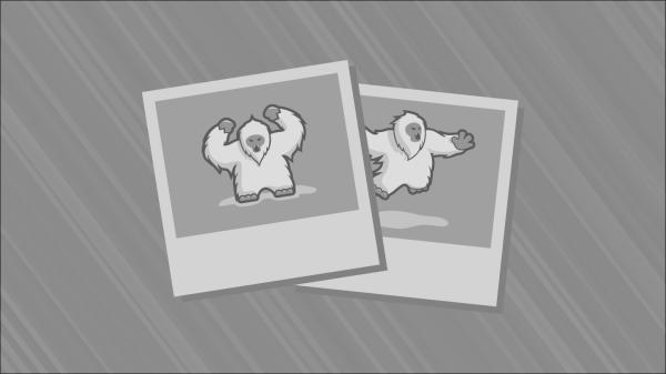 Scoot McNairy en Liam Neeson in Non-Stop