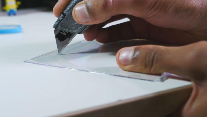 Создание голограммы при помощи смартфона и пластика от коробок для CD-дисков голограмма, смартфон