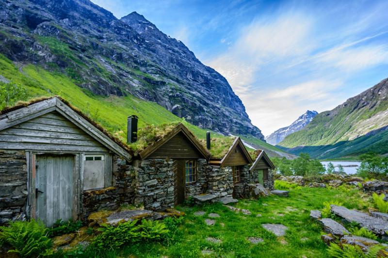 Гейрангер, Норвегия  дом, крыша, озеленение, скандинавия