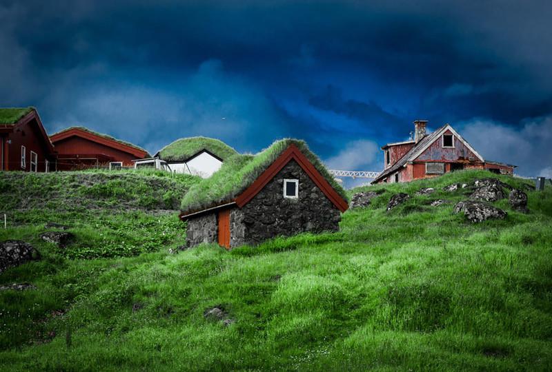 Торсхавн, Фарерские острова  дом, крыша, озеленение, скандинавия