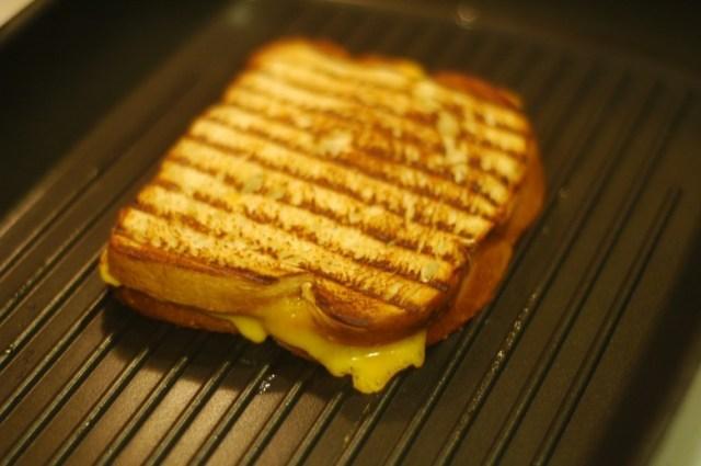 7. Сэндвич с сыром на гриле кухня, мужчины, рецепты