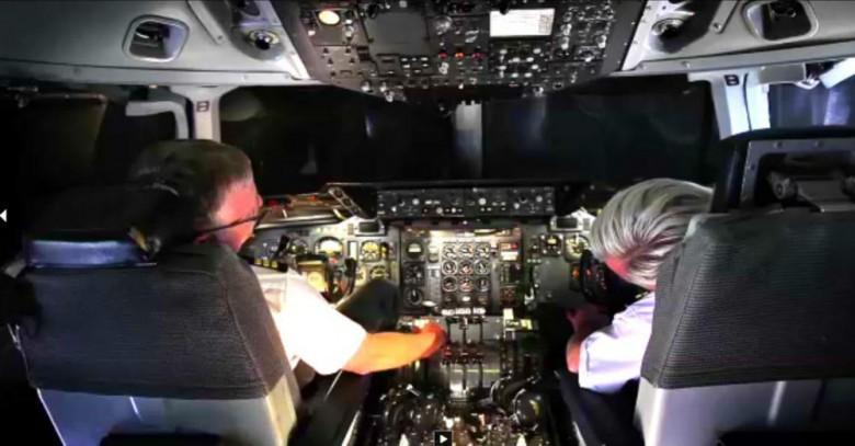 12. Пилоты нередко спят во время полета авиаперелет, самолет, факт