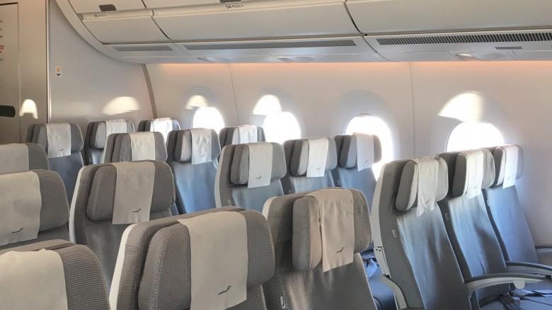 13. Салоны самолетов невероятно грязные авиаперелет, самолет, факт