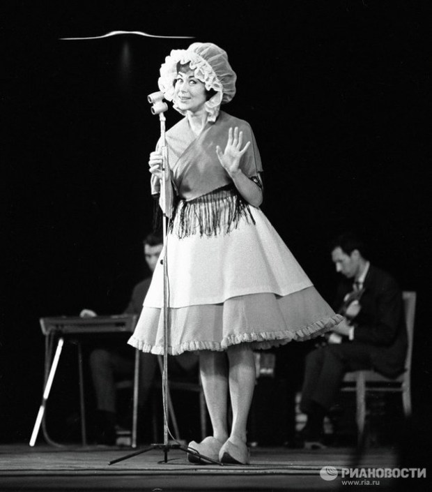 Пьеха Эдита Станиславовна. С днём рождения! актриса, народная артистка СССР, певица