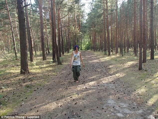 Девушка доехала автостопом из Швеции в Малайзию всего с 200 долларами в кармане автостоп, в мире, люди, путешествие