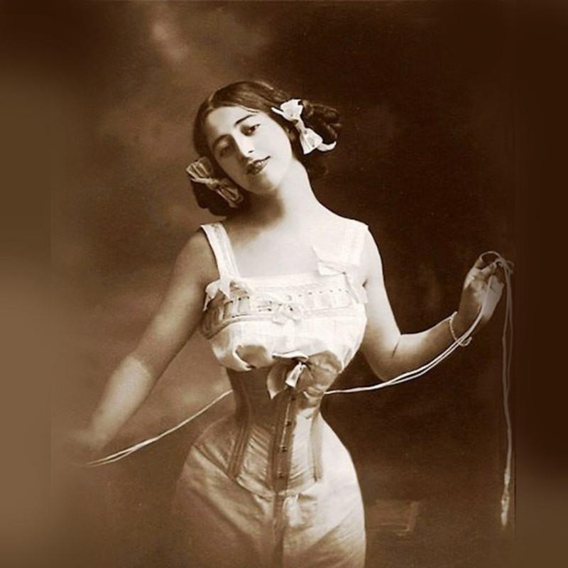 Корсеты стали постепенно выходить из моды 20 век, девушки, красота