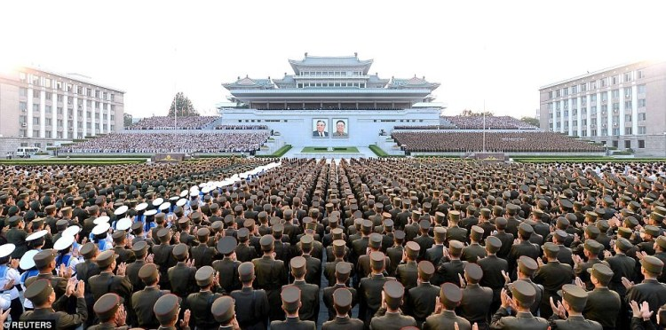 Северная Корея отпраздновала запуск первой межконтинентальной баллистической ракеты КНДР-США, баллистическая ракета, запуск ракеты, ким чен ын, кндр, празднование, северная корея, фейерверк