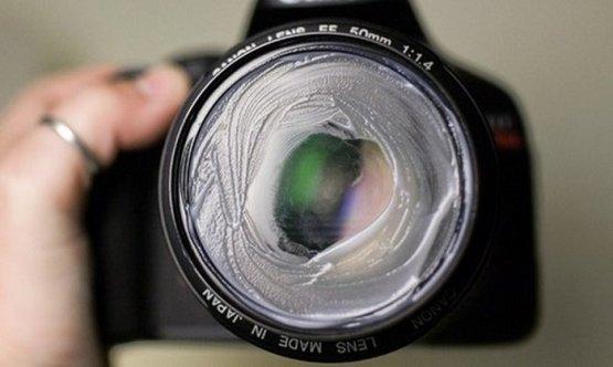 1. С помощью обычного вазелина можно сделать винтажные фото с эффектом размытия идеи, интересно, камера, полезно, советы, трюки, фото, фотоаппарат