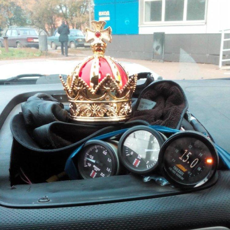 Украшение в авто должно соответствовать статусу блеск и нищета, гламур-тужур, красивая жизнь, лухари