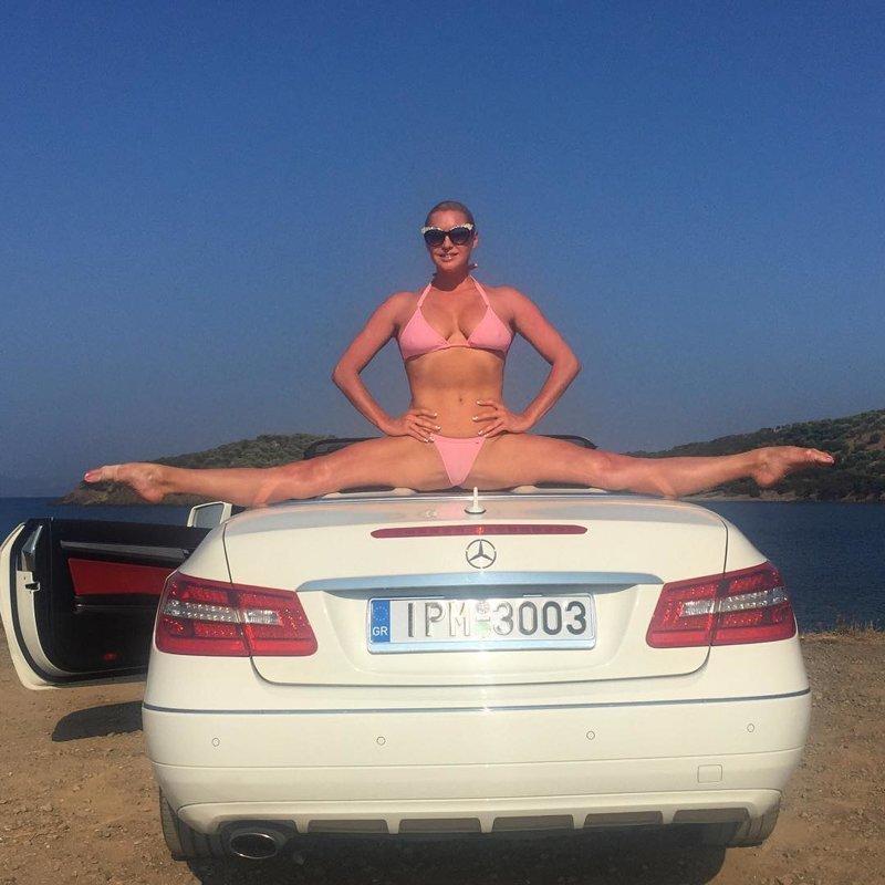 В Греции Анастасия демонстрирует шпагат на жемчужном кабриолете волочкова, инстагарам, смешные подражатели, шпагаты, юмор