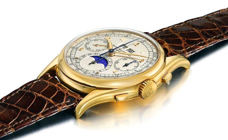 По дороге купим Patek Philippe Reference 1527 - классические наручные часы 1943 года выпуска, изготовлены из золота с использованием 23 драгоценных камней.  Всего $5,600,000 богато, вещи, дорого, миллиардеры, покупки