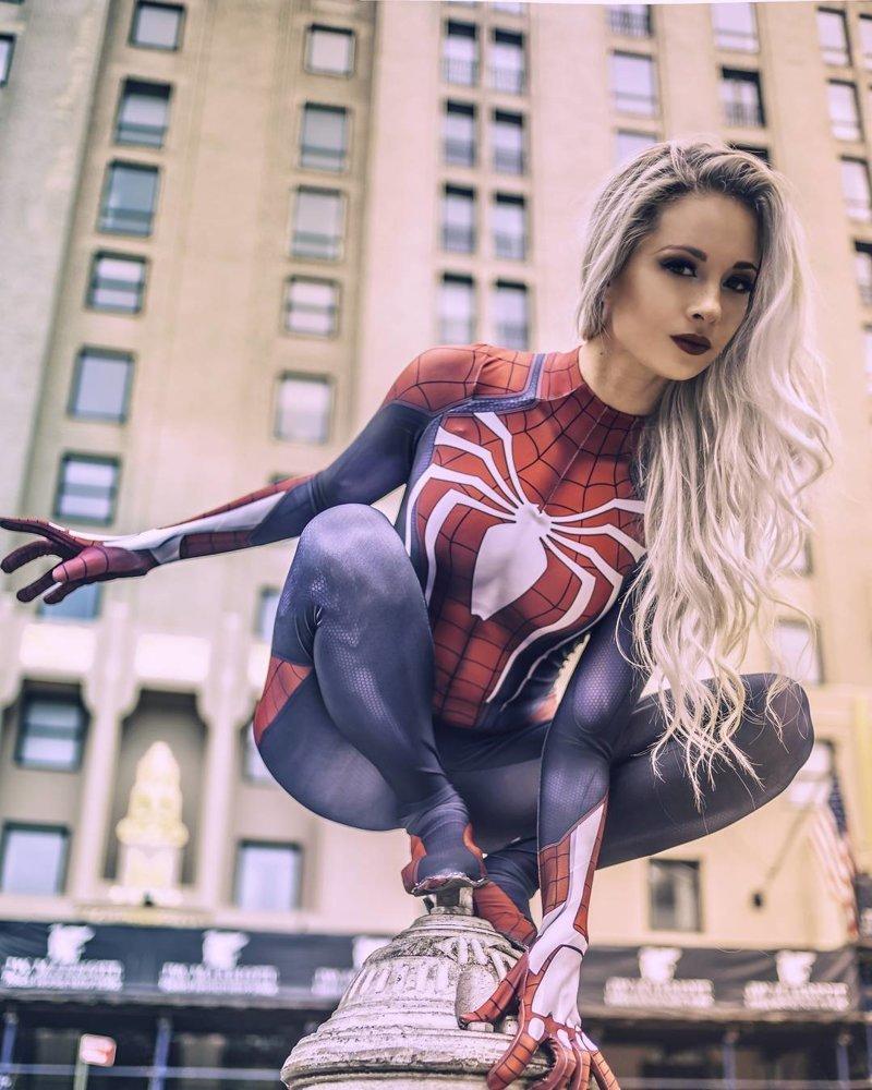 Человек-Паук девушки, кино, комиксы, косплей