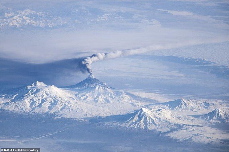 2013 жылдың желтоқсан айында ХҒС-тан жасалған Камчаткадағы Клевск тауларының атқылауы