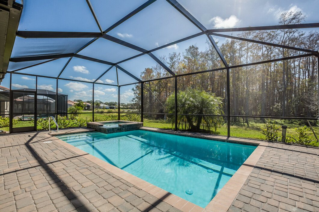 2021 pool enclosure cost cost to