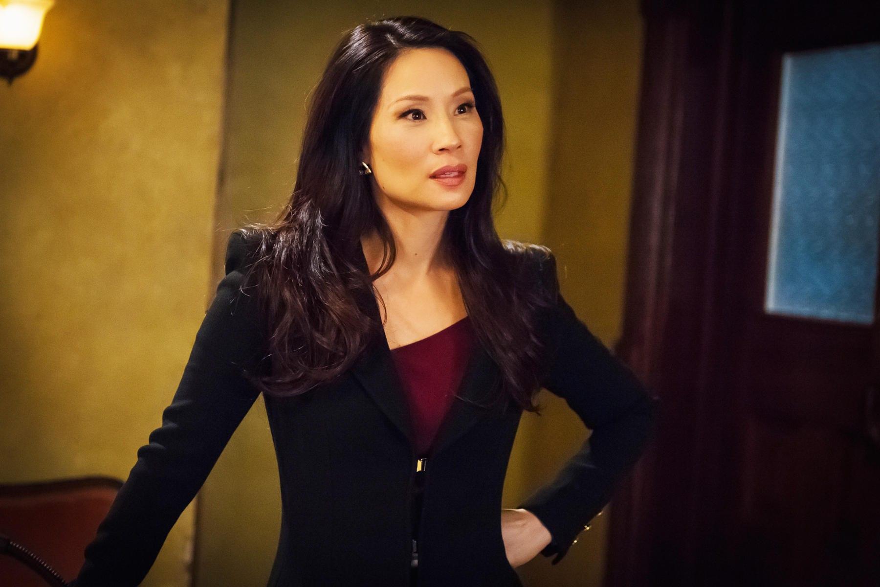 Lucy Liu To Lead Cbs Dramedy Why Women Kill